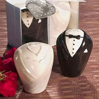 Adorable Bride Groom Salt Pepper Shaker Favors