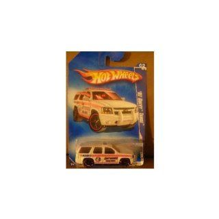 HOT WHEELS 2009 HW CITY WORKS 02/10 WHITE '07 CHEVY TAHOE FIRE DEPT. RECUE TRUCK 108/190 Toys & Games