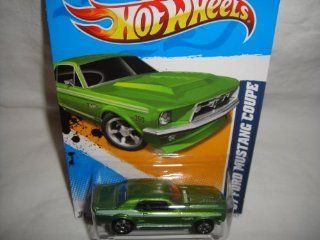 HOT WHEELS 2012 EDITION MUSCLE MANIA FORD '12 GREEN 390 1967 FORD MUSTANG COUPE DIE CAST COLLECTIBLE Toys & Games