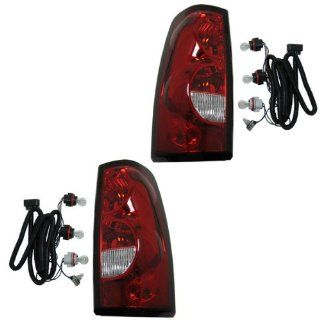 2004 2005 2006 2007 Chevrolet/Chevy Silverado 1500 2500 3500 Full Size Pickup Truck (Fleetside Models Except 3500 Dually) Taillight Taillamp Rear Brake Tail Light Lamp (with dark trim) Pair Set Left Driver And Right Passenger Side (04 05 06 07) Automotive