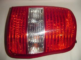 03 05 04 KIA Sedona Right Passenger Tail Light Lamp2003 2004 2005 #305 Automotive