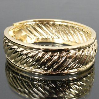 Metal Textured Snap Closure Bangle Njf429 b2816 Jewelry