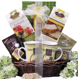 Great Arrivals Wedding Anniversary Gift Basket, Breakfast for Two  Gourmet Snacks And Hors Doeuvres Gifts  Grocery & Gourmet Food